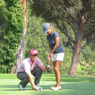 Intensive golf lessons with hotel stay